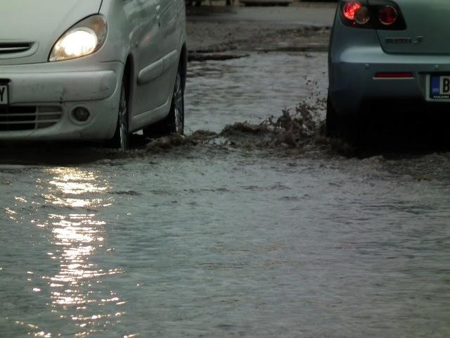 """DRAMA U KOTEŽU: Poplave, bujice i """"jezera"""" na ulicama"""