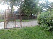 Komšija prisvojio i ogradio park u Borči