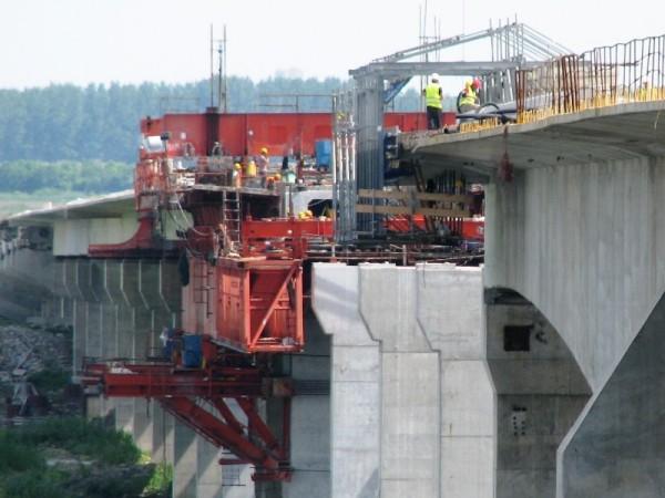 Radovi na mostu Zemun-Borča privode se kraju - 2014