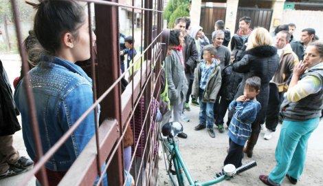 Romi u strahu: Huligan pretukao osmoro ljudi u naselju Pretoku - 2014