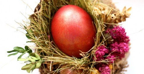 Danas je Veliki petak, dan kada se posti, farbaju jaja i ništa ne radi - Cuvarkuca
