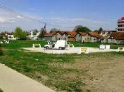 Postavljene klupe u budućem parku u Borči (FOTO) - 2015