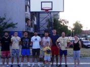 BRAVO! Sami sredili košarkaški teren u Borči - 2015