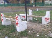 Uništen parkić u Borči kod Kockice, LOBI