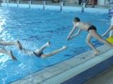 Svakog radnog dana u dva termina, od 10 do 11 i od 15 do 16 časova oni su u mogućnosti da besplatno plivaju.