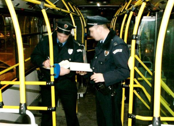 Putnik autobusa na liniji 43 udario kontrolora u glavu - 27.11.2013