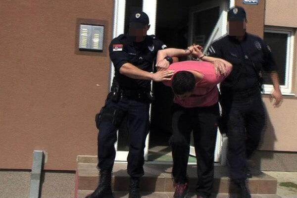 Kotež: Uhapšen narko- diler dok je trgovao kokainom