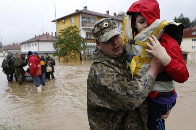 SRBIJA TE ZOVE: Ministarstvo odbrane poziva vojne obveznike u pomoć!