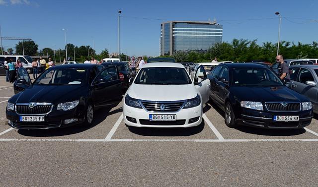 Građani pokazali veliko interesovanje za kupovinu službenih vozila
