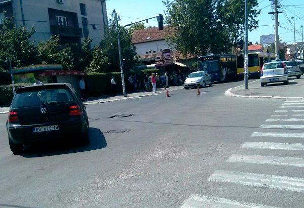 Na Đurđenovcu 95-ica udarila auto, ženi pozlilo 2014