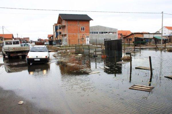 Komšije sa Altine u Zemunu najavile blokadu Pupinovog mosta - 2015