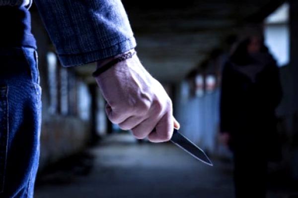 Sinoć muškarac uboden nožem ispred Doma zdravlja u Borči