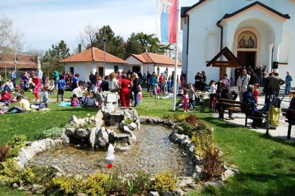 Proslava Dečje vaskršnje radosti u Kotežu (FOTO) - 2015