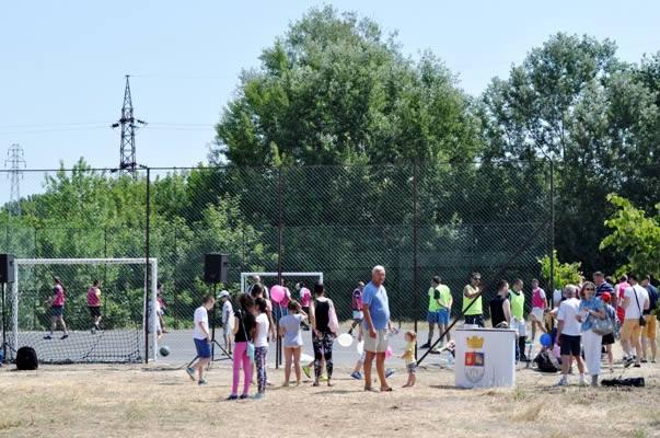 Krnjaca dobila teren za mali fudbal - 2015